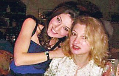 жена с дочерью