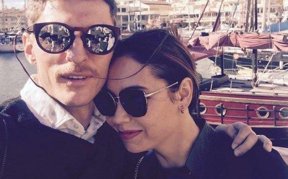 воля с женой в испании