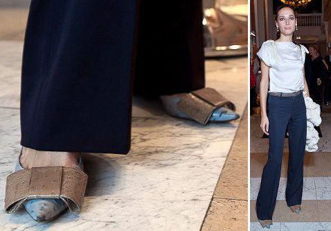 в модных туфлях