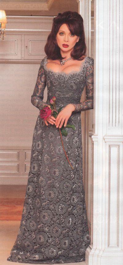 в вязанном платье
