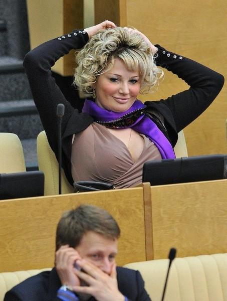 Фото голой людмилы максаковой