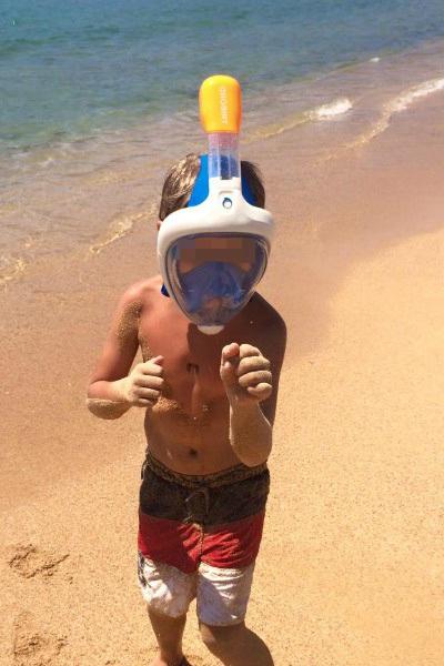 на море в маске